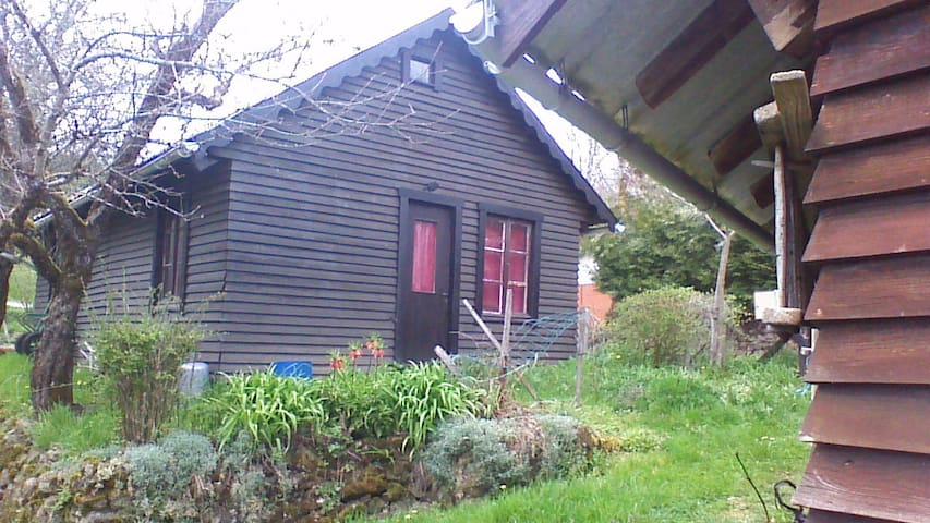 petit logement individuel à Mirambel - Peyrelevade - Chalet