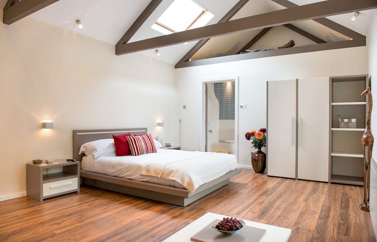 Beautifully converted luxury barn  - Bodmin - Bed & Breakfast