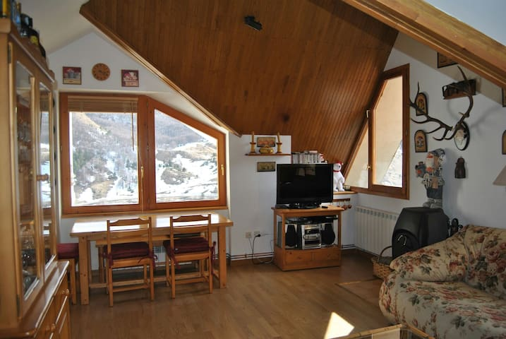 Duplex near the town square - Formigal - Apartamento