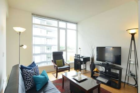 1 bed 1 bath 1 car stall water view - Victoria - Wohnung