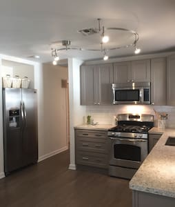 Beautiful Demand Area 3BR Renovated - Metairie, New Orleans  - 独立屋