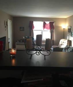 Cozy Duplex perfect for Papal Visit - Philadelphia
