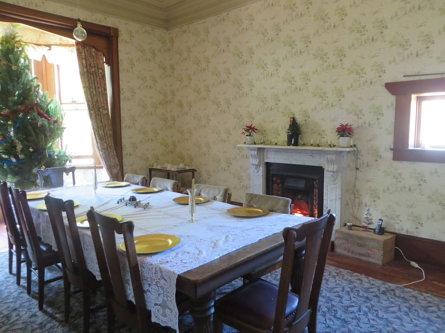 .........10 seater dining table.