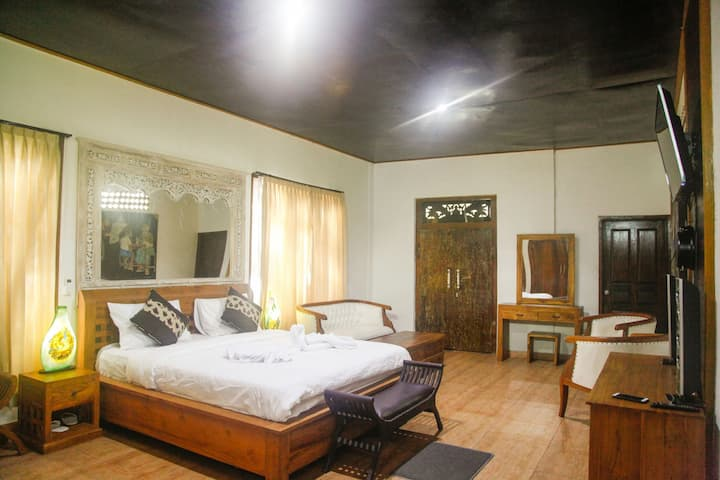 Room 2:good atmosphere,natural  place  with garden