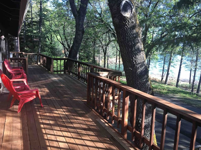 Lake Front Home. 2700 sq/ft with a 1000sq/ft deck