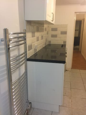 Cosy 1 bed self contained apartment
