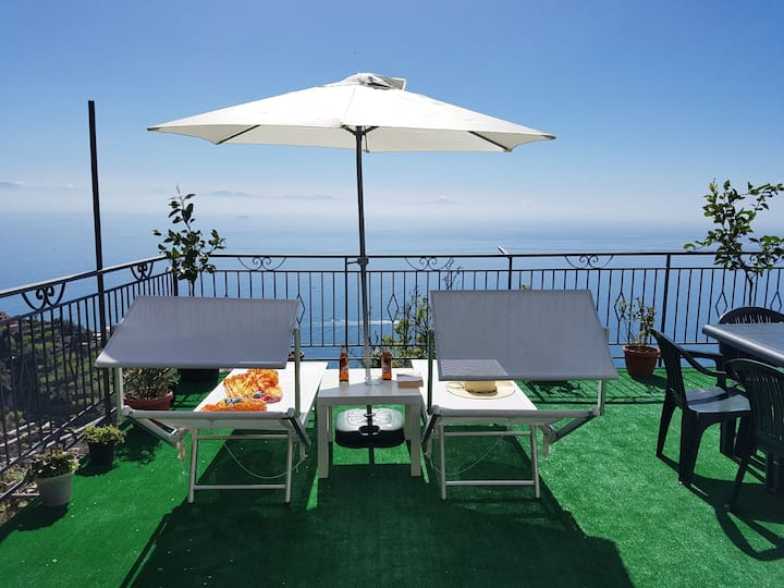 Panoramic apartment in Amalfi