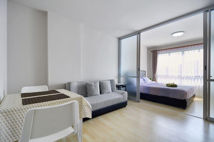 Nice & Clean condominium near Patong Beach Room 1