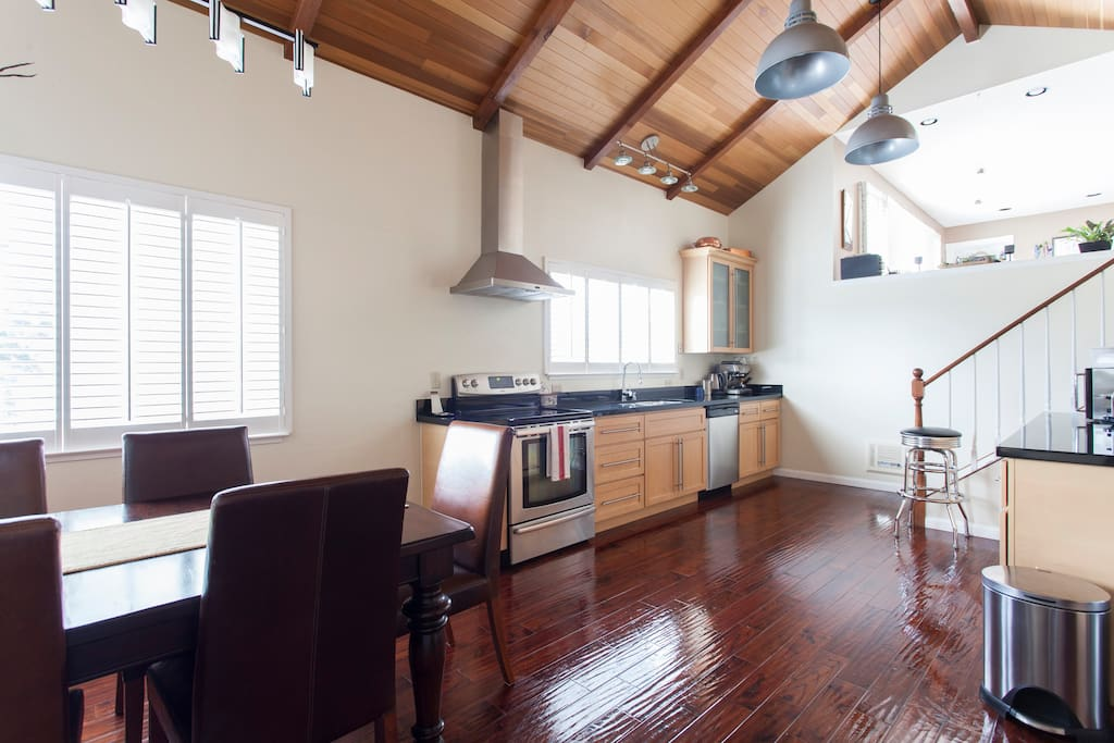 Spacious kitchen and dining room made for entertaining.