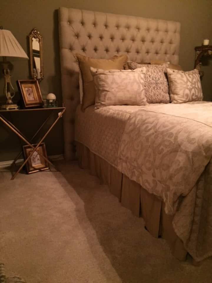 Clean, comfy & close to dfw airport