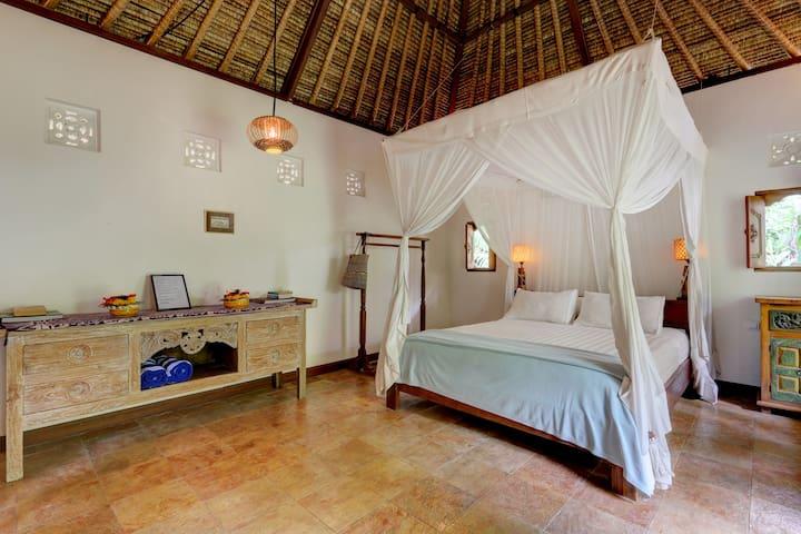 Villa Senang ..very traditional