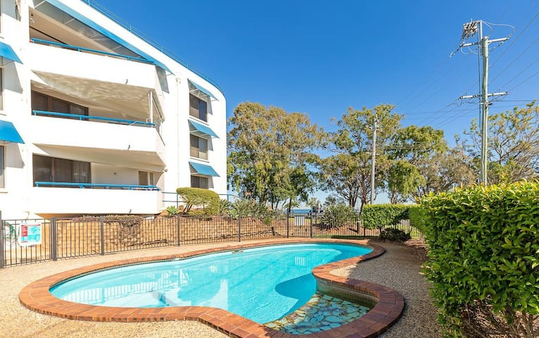 Views of Pumicestone passage waiting to be enjoyed, Welsby Pde, Bongaree
