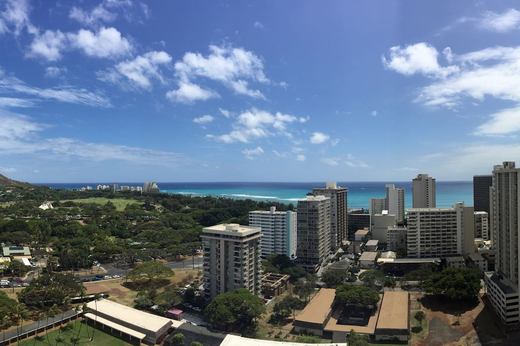 25th floor views of Diamond Head, Kapiolani Park & ocean