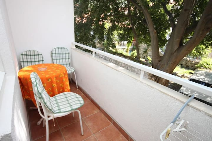 Studio flat near beach Drvenik Donja vala, Makarska (AS-6658-b)