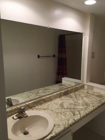 1 bedroom and 1 fullbath - 메이슨 - 타운하우스