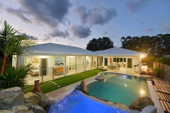 Cooya Beach House