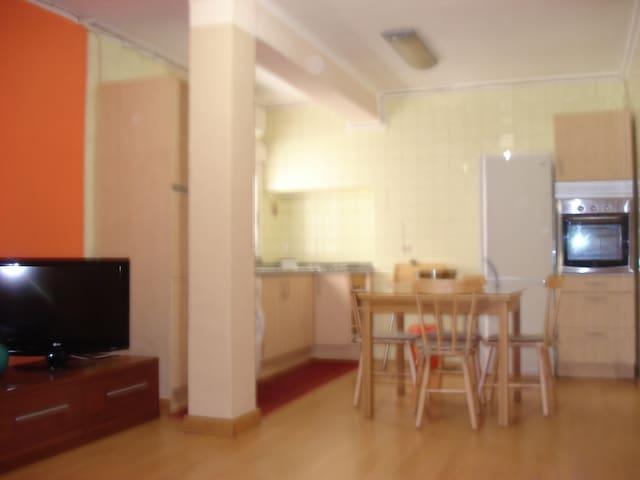 APARTAMENTOS ESTHER-ALZIRA - Alzira - Lägenhet
