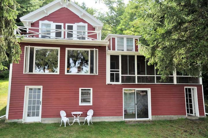 Perfect Family Lakefront Home on Lake George, NY