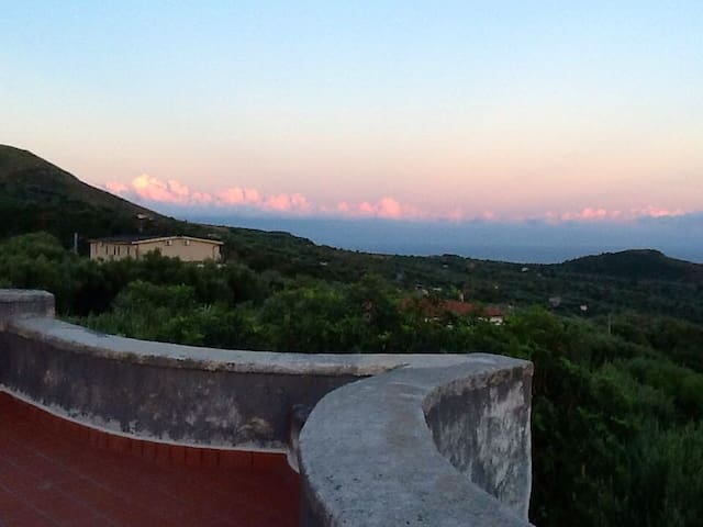 Countryhouse Cilento close to the sea!! - Lentiscosa - Rumah