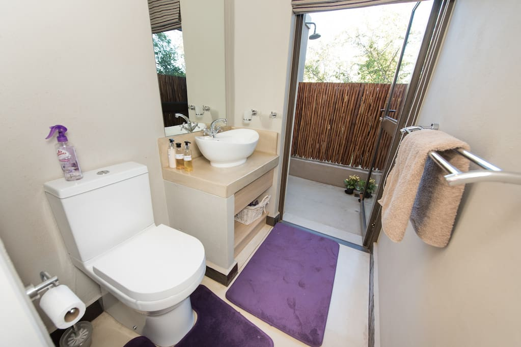 Bathroom, Double/Twin room with Deck, Lodge 310