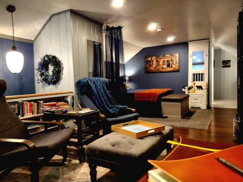 The Suite at Dickinson Place