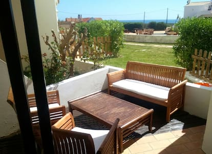 Nice reformed beach-apartment with sunny terrace - Sagres - Hus