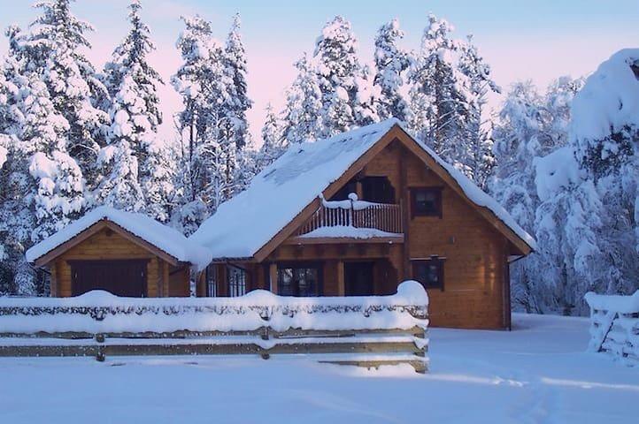 Norwegian Log Cabin The Roe Deer -sauna & hot tub