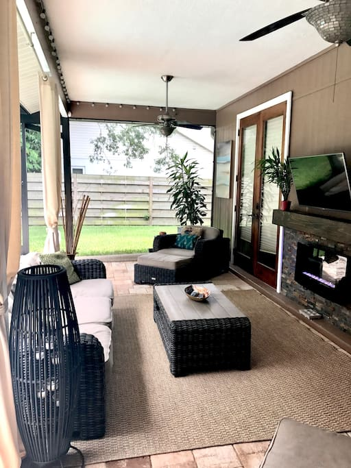 Lanai area (outdoor Livingroom)