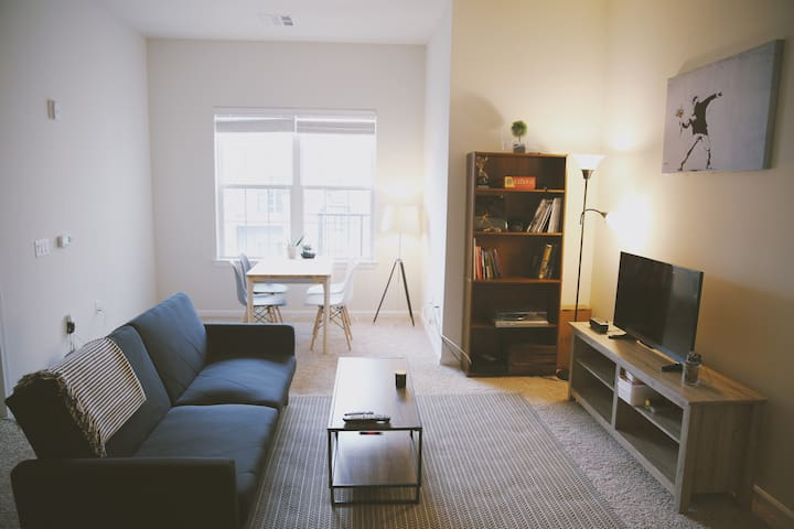 Modern Contemporary 2BR Apartment in DT Morristown