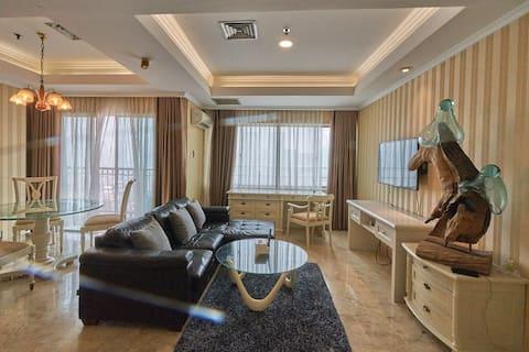 Luxury Classic in Center Business of Mega Kuningan