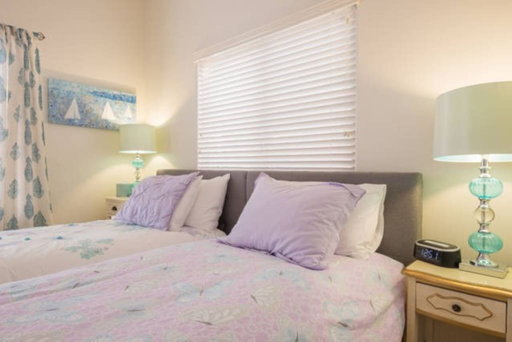 Guest room can be two singles