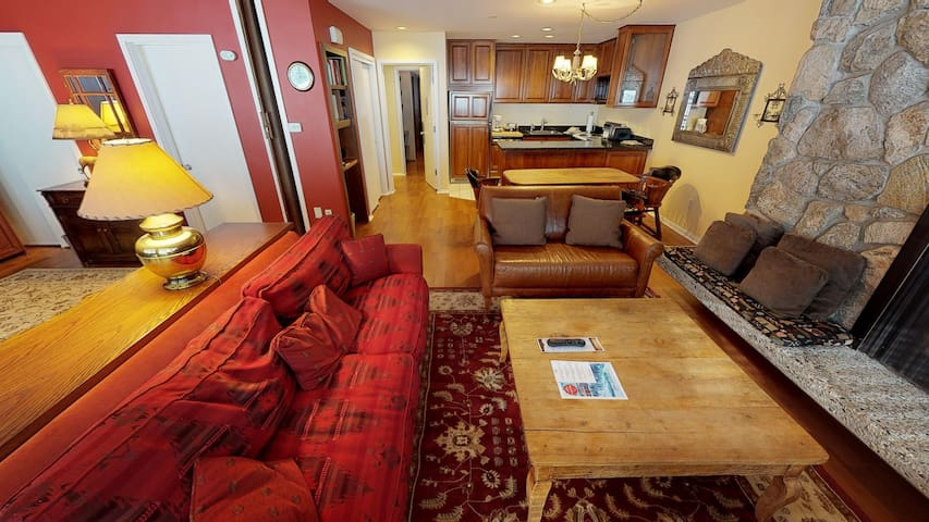 Reasonably priced 2BR/3BA in the heart of Vail