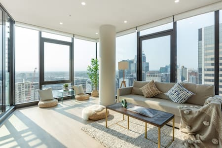 Welcome In The Amazing High-Rise Apt @CBD
