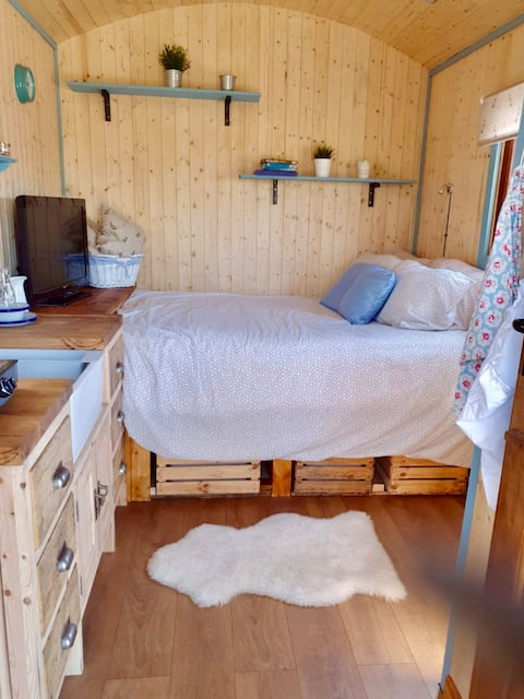 Hide and Sheep Shepherds Hut