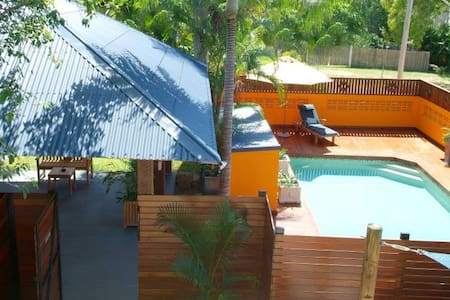Holiday apartments 2 mins from beach - Apartment 6 - Picnic Bay
