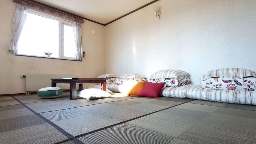 暖暖北海道4-6人(家庭房),免費享用:自然純淨北國朝食!(奶蛋素可) - Sapporo-shi - Bed & Breakfast
