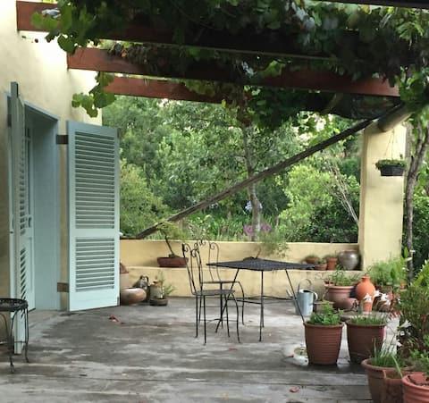 Makayabella kamer 1 - deur naar prachtige tuin.