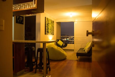 Modern, central & cozy. Great View. Pool. Gym - Lima - Byt