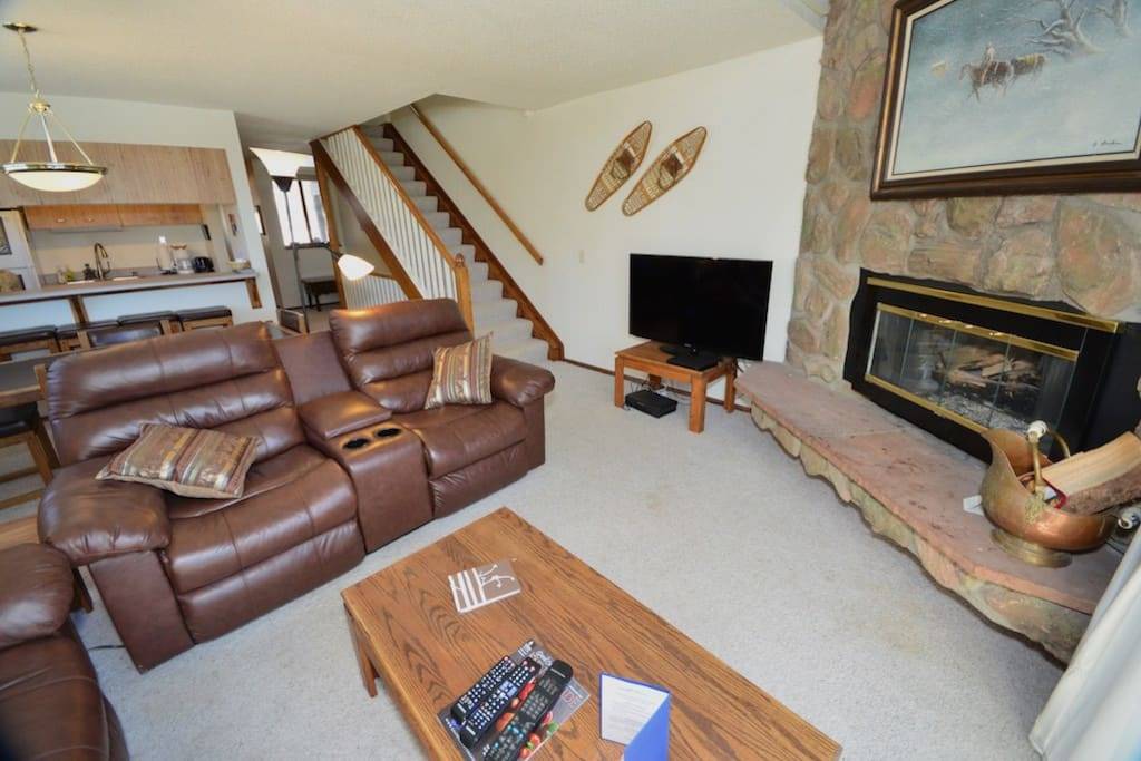 Great gas fireplace and stairs up.    Fast internet.  HD TV streaming + blue ray player.