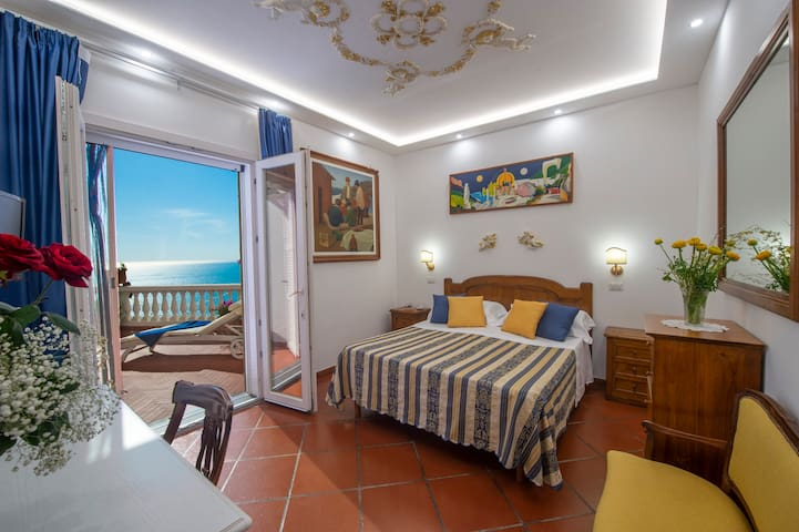 Positano DeLuxe Seaview Suite -VillaBriganti -