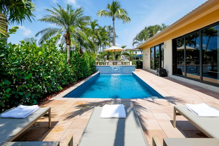 Waterfront Home w/Movie Theater, Pool, Pool Table