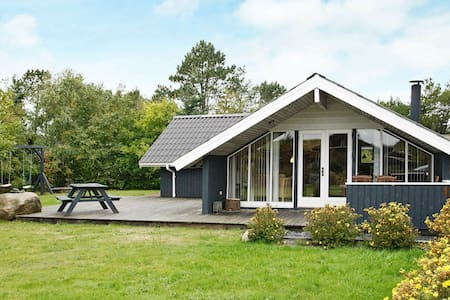 Peaceful Pet-friendly Holiday Home in Saltum near Sea