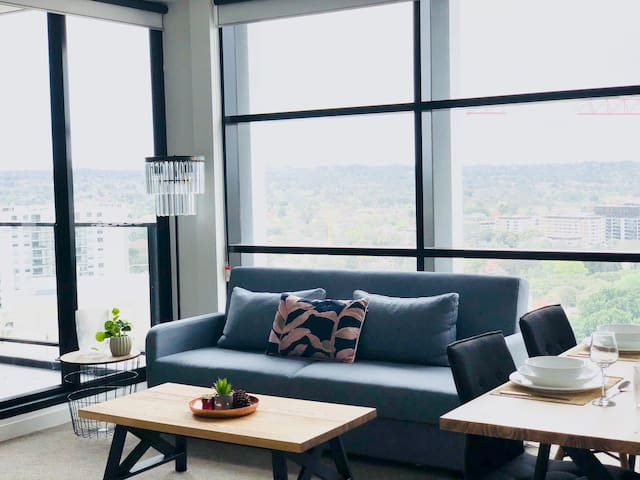 City  view/Location/Parking/Netflix/2 Bedrooms