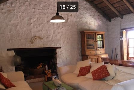 Kassiesbaai Thatched stone cottage - Арнистон - Дом