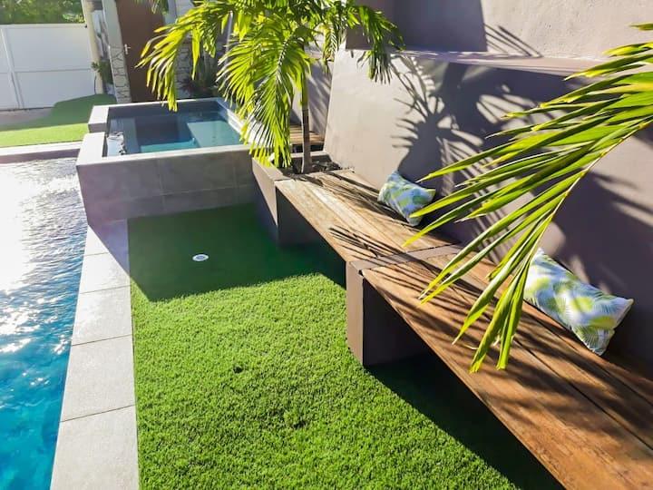 Location design piscine jacuzzi proche Golf+plages