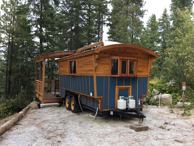 Blue Gypsy Wagon. - Leavenworth - Hytte
