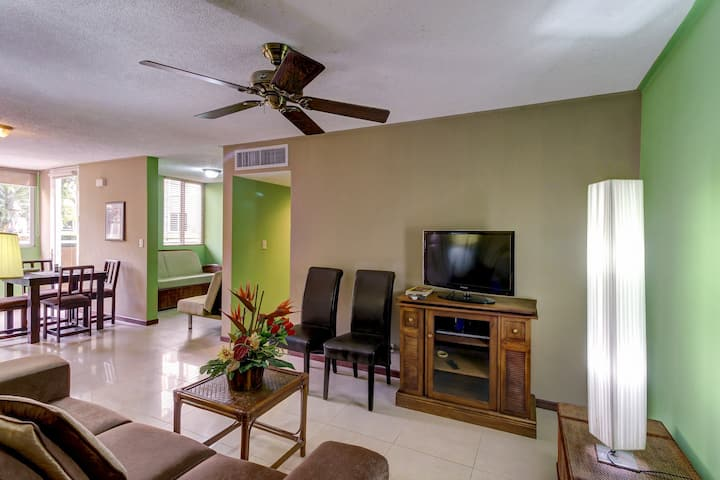 Dog-friendly condo with shared pool and patio - close to the beach!