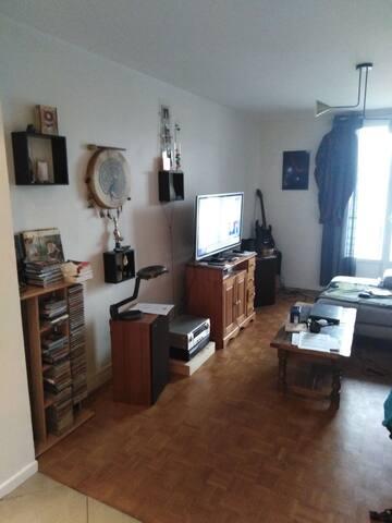 Chambre dans appartement cosy caserne de bonnes