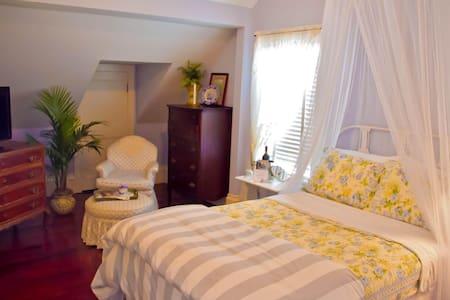 Cape Cod - Grand Magnolia Suites