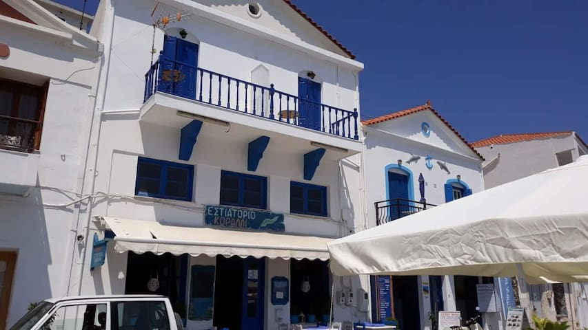 Edvilos Near the Port-Beachfront Apartment